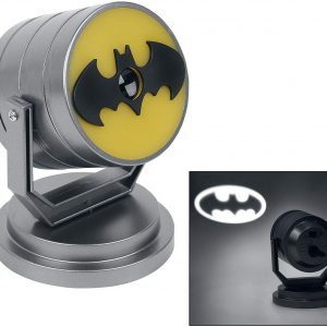 Lámpara geek de Batman que proyecta la luz con la bat-señal. Rotación de hasta 360 grados y proyección hasta 8 metros.
