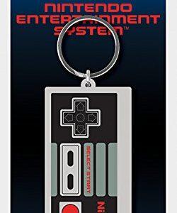 Llavero friki con forma de mando de la retro consola Nintendo NES
