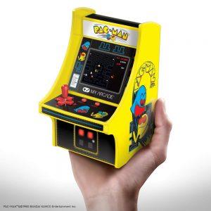 Mini consola recreativa friki de PAC-MAN a todo color con joystick perfecta para sala de juegos, oficina, o casa.